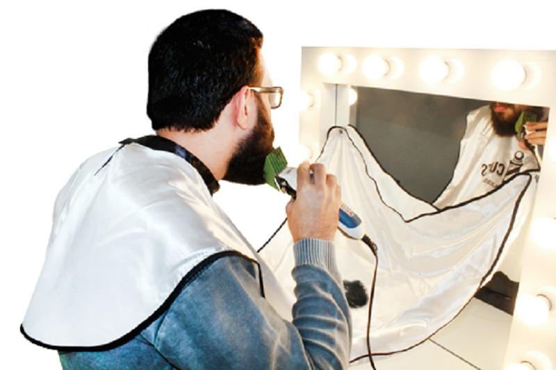 Capa de Cetim com Impressão e Ventosa para Barbear no Espelho - Santa Clara