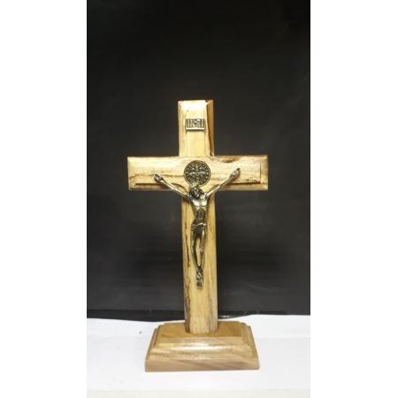 CX09 - Crucifixo Madeira Medalha São Bento 18cm c/ Base