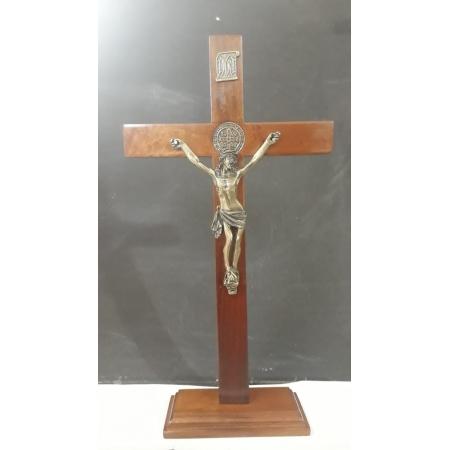 CX10 - Crucifixo Madeira Med. São Bento 35cm c/ Base