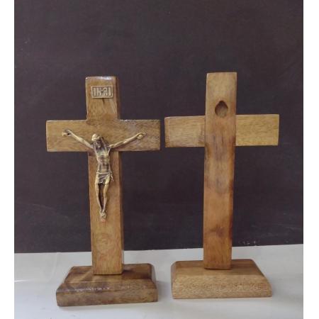 CX27 - Crucifixo Madeira Liso 13cm c/ Pedestal