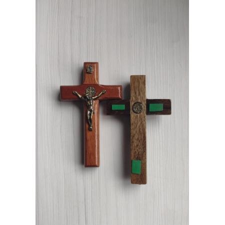 CX31 - Crucifixo Madeira 8cm Med. São Bento Parede c/ Adesivo