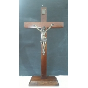 CX37 - Crucifixo Madeira Liso 35cm c/ Base