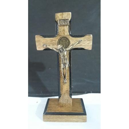 CX46 - Crucifixo Madeira Medalha São Bento Contorno 13cm c/ Base