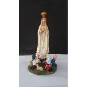 ID971 - N. Sra. Fatima com Pastores 11cm Resina