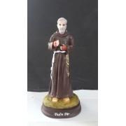 IT1083 - São Padre Pio 15cm Resina