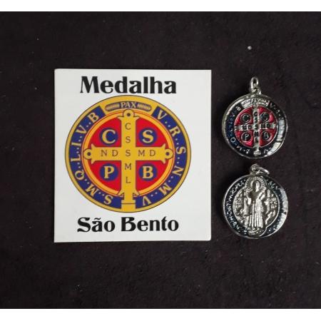M08 - Medalha São Bento 15mm Resinado Niquel/Dourado