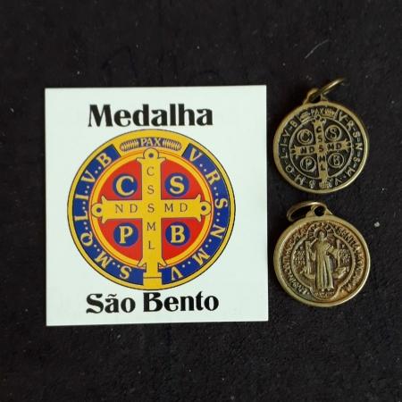 M48 - Medalha São Bento 19mm Ouro Velho