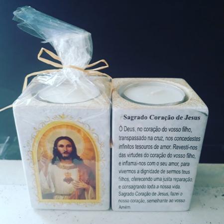 P160 - Suporte Vela 8cm Sagrado Coração de Jesus c/ Oração