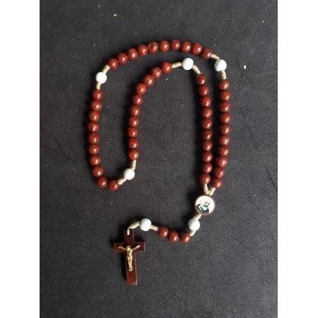 T241 - Terço Madeira Vermelha 6mm São Padre Pio