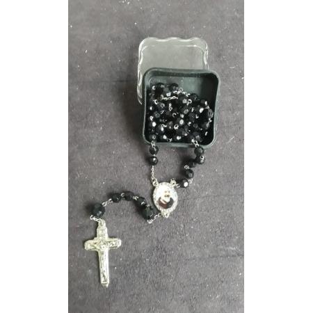 TL57 - Terço Plástico Facetado Preto 6mm Resinado São Padre Pio