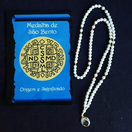 TR14 - Terço Medalha São Bento Plastico 5mm c/ Oração