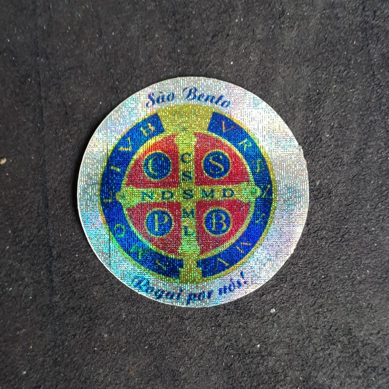 A12 - Adesivo Medalha São Bento 55mm Duplo  - VindVedShop - Distribuidora Catolica