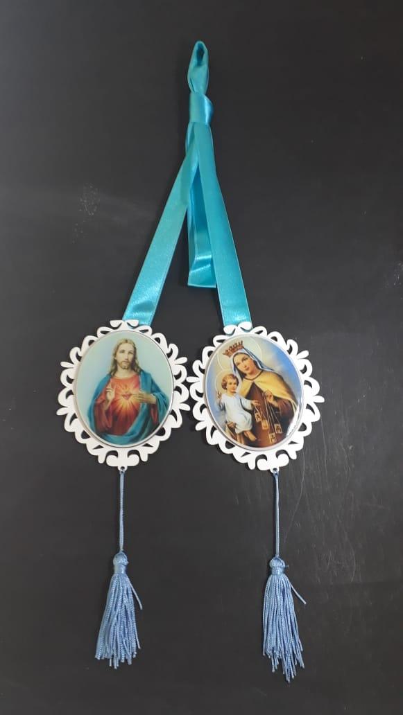 AD04 - Adorno Escapulario de Porta Madeira 12cm Sagrado Coração de Jesus e Nossa Senhora do Carmo  - VindVedShop - Distribuidora Catolica