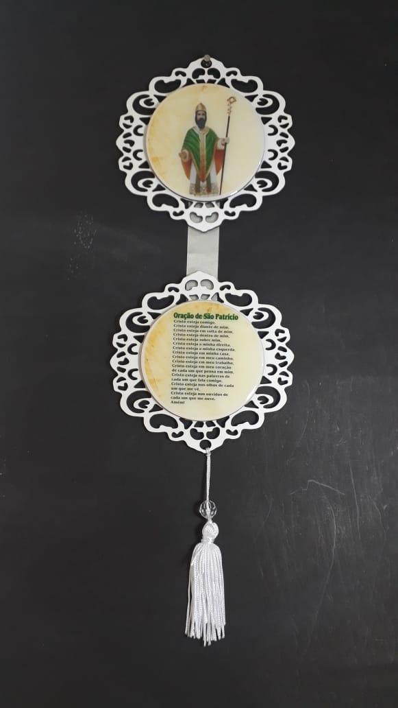 AD05 - Adorno de Porta Duplo Madeira 12cm São Patricio  - VindVedShop - Distribuidora Catolica