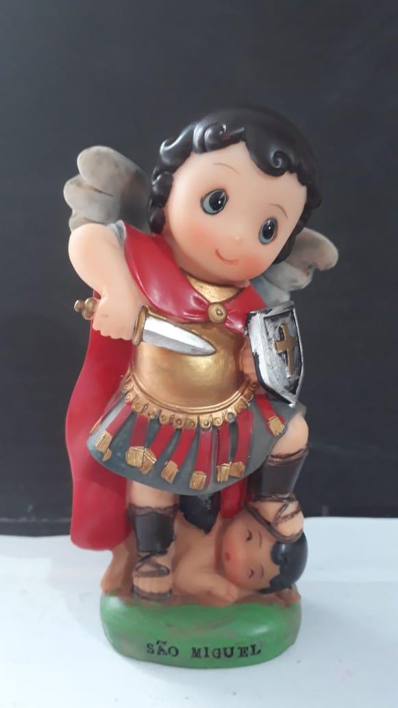 IC122 - São Miguel Arcanjo 13cm Criança Resina  - VindVedShop - Distribuidora Catolica