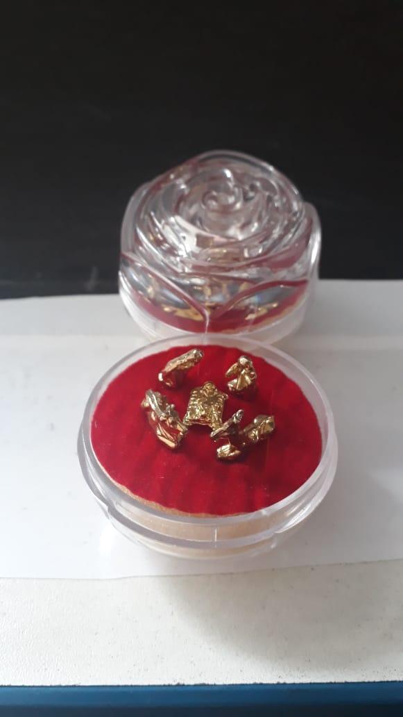 IN08 - Presepio Acrilico Botão Rosa 40mm Dourado  - VindVedShop - Distribuidora Catolica