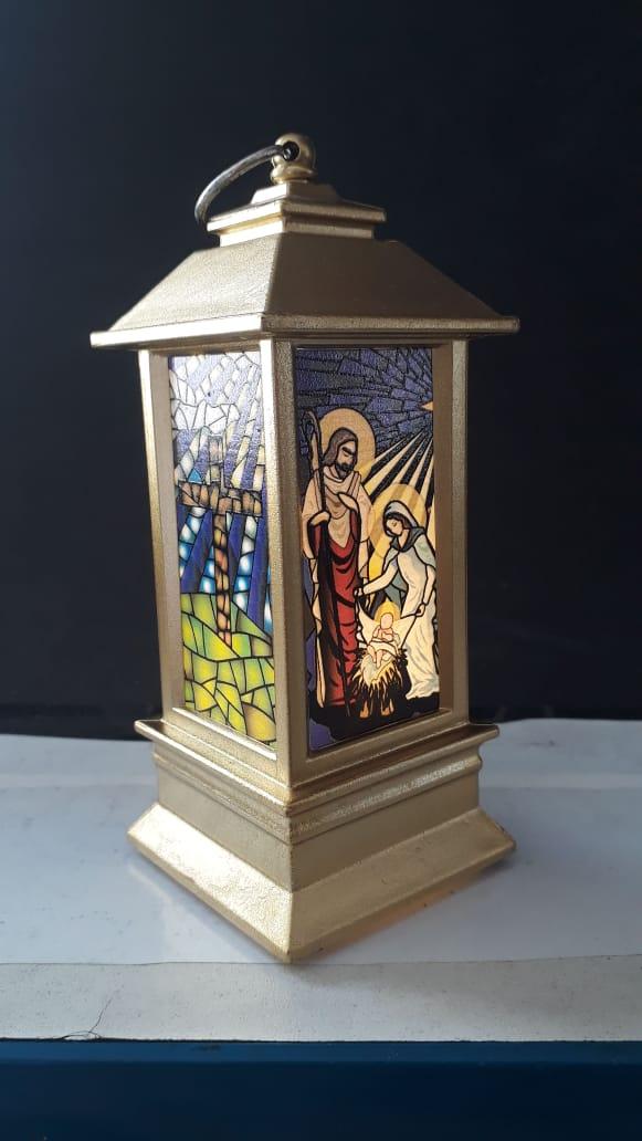 IN66 - Luminária Presépio Vitral 13cm Dourado c/ Luz  - VindVedShop - Distribuidora Catolica