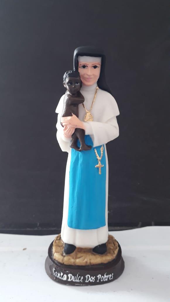 IT1073 - Santa Dulce dos Pobres c/ Criança 15cm Resina  - VindVedShop - Distribuidora Catolica