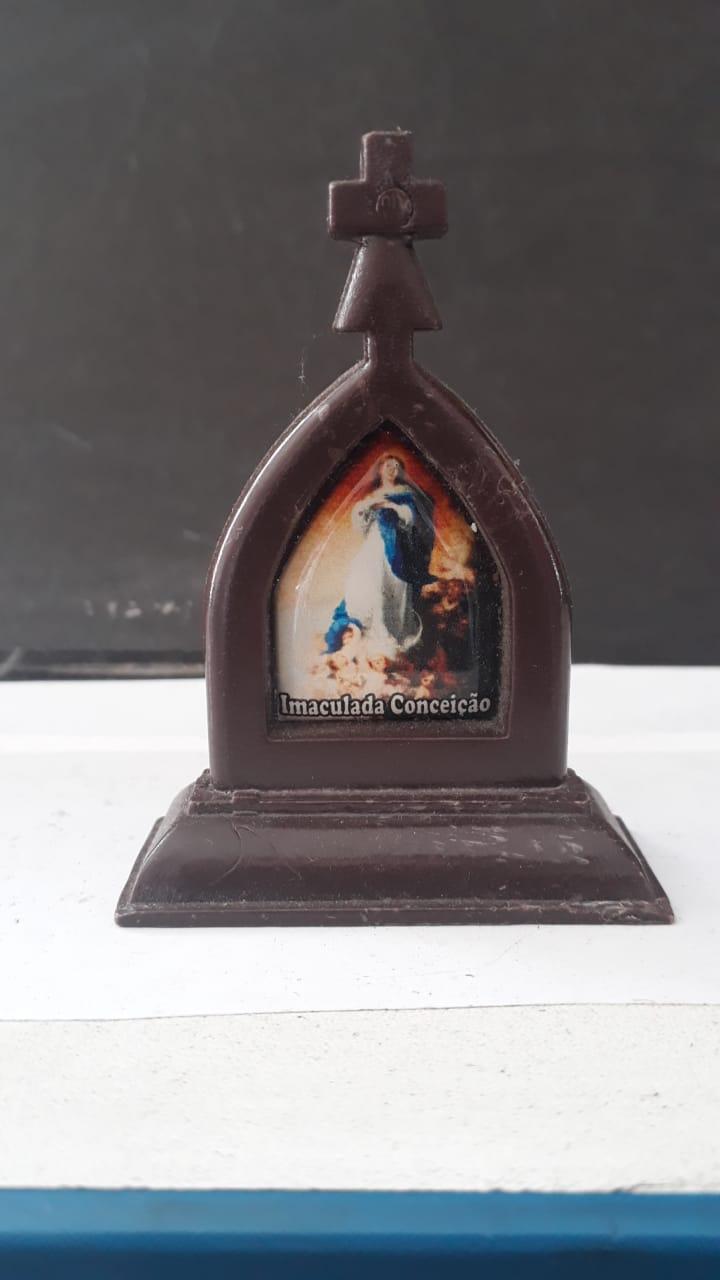 P26 - Capela Plastico 7cm Marrom Santos Variados  - VindVedShop - Distribuidora Catolica