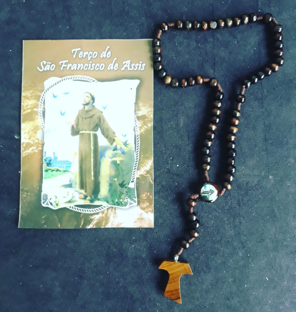 TR28 - Terço Madeira 6mm São Francisco de Assis c/ Oração  - VindVedShop - Distribuidora Catolica