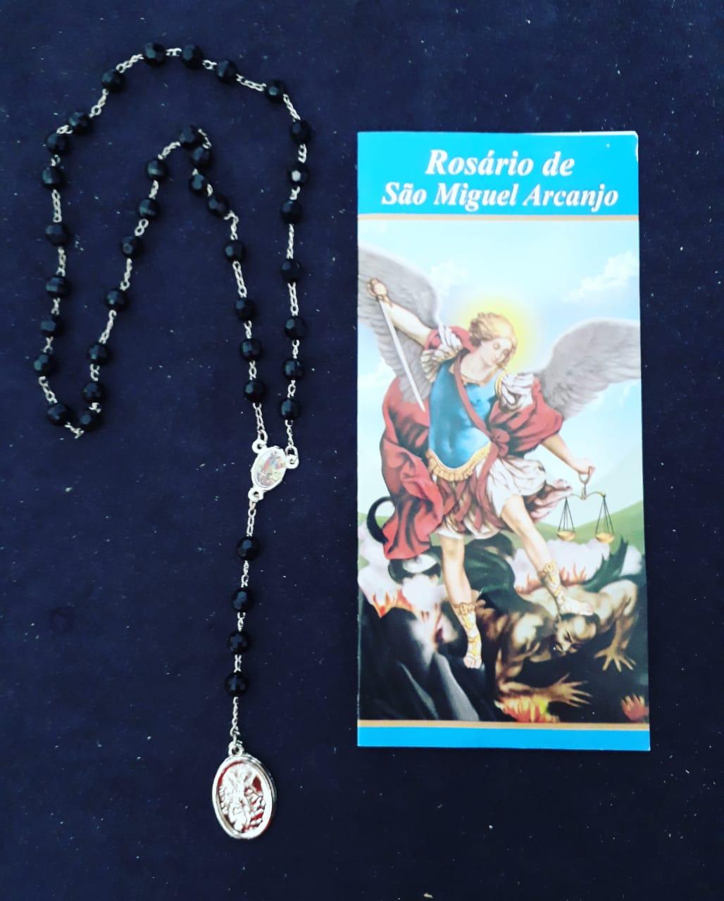 TR37 - Rosario São Miguel Facetado Preto 6mm c/ Oração  - VindVedShop - Distribuidora Catolica