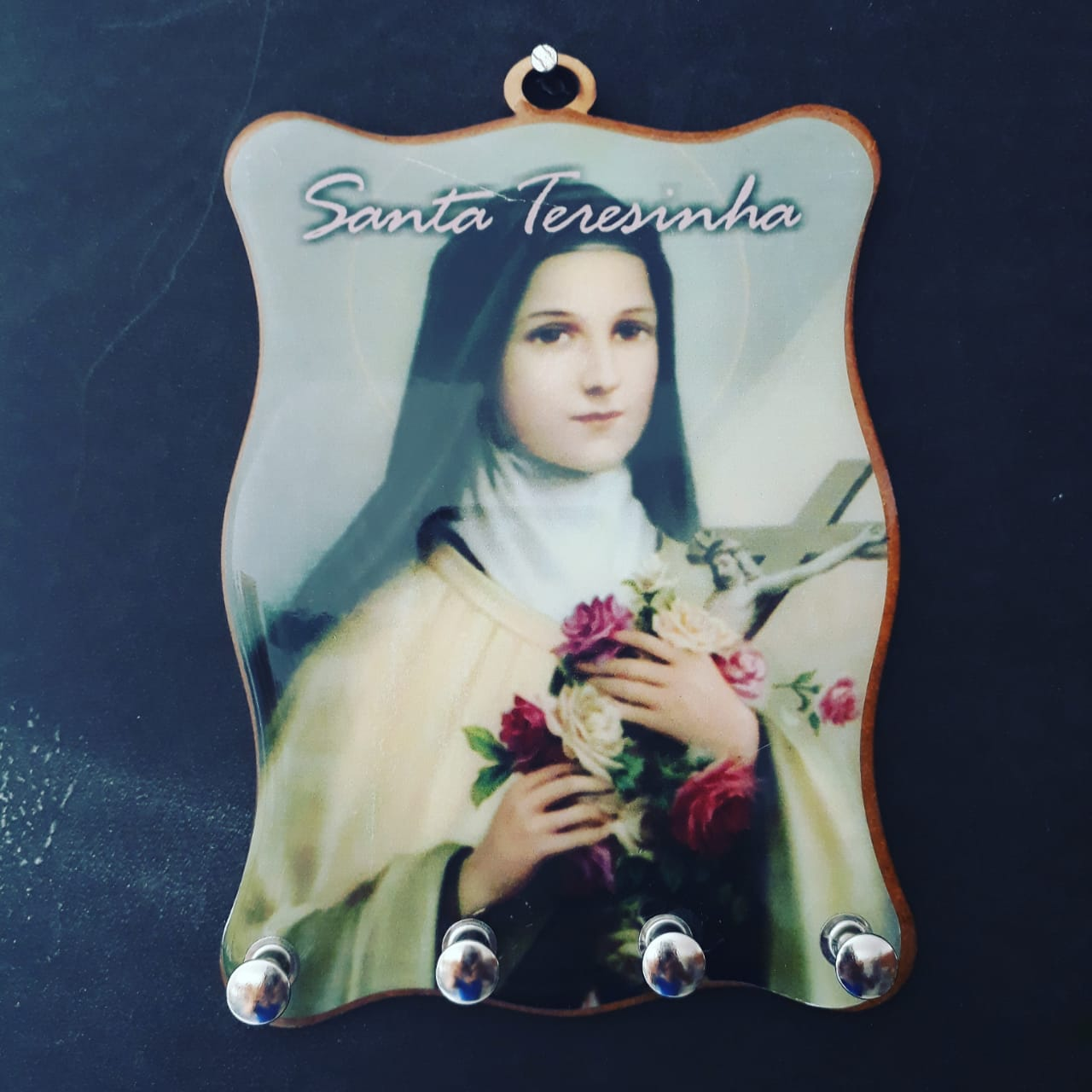 WE137 - Porta Chave 12X15cm Santa Teresinha do Menino Jesus  - VindVedShop - Distribuidora Catolica