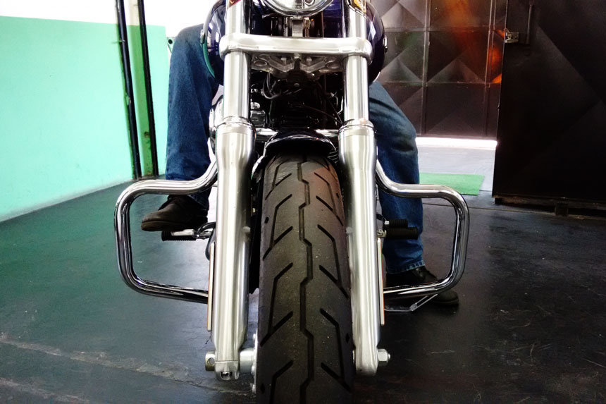 Protetor de Motor para Harley Davidson Dyna Fat Bob Moustache - Customer