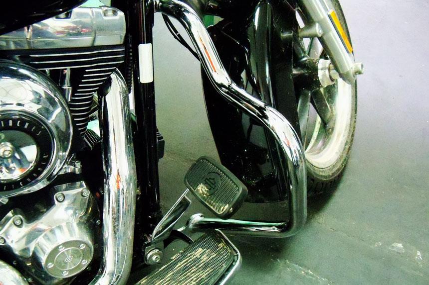 Protetor de Motor para Harley Davidson Dyna Fat Bob Moustache c/ Borracha de apoio - Customer