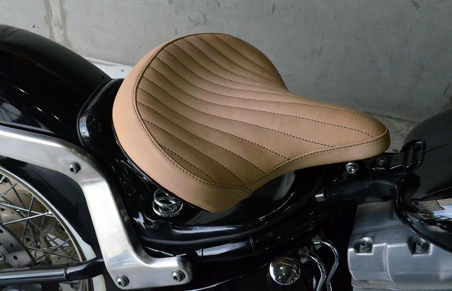 Banco Selim Old School para Harley Davidson De-Luxe - Pedrinho Bancos