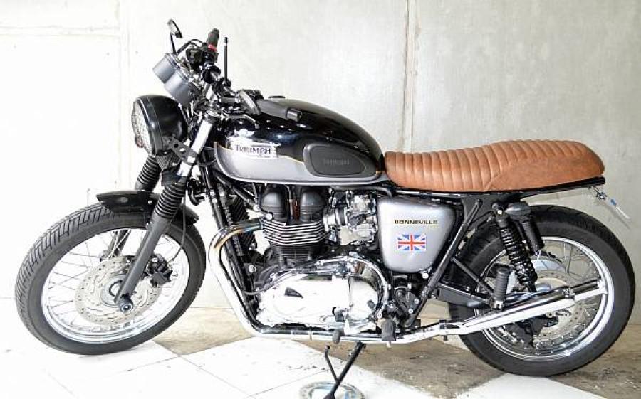 Banco Flat para Triumph Bonneville T100 Marrom Envelhecido - Pedrinho Bancos