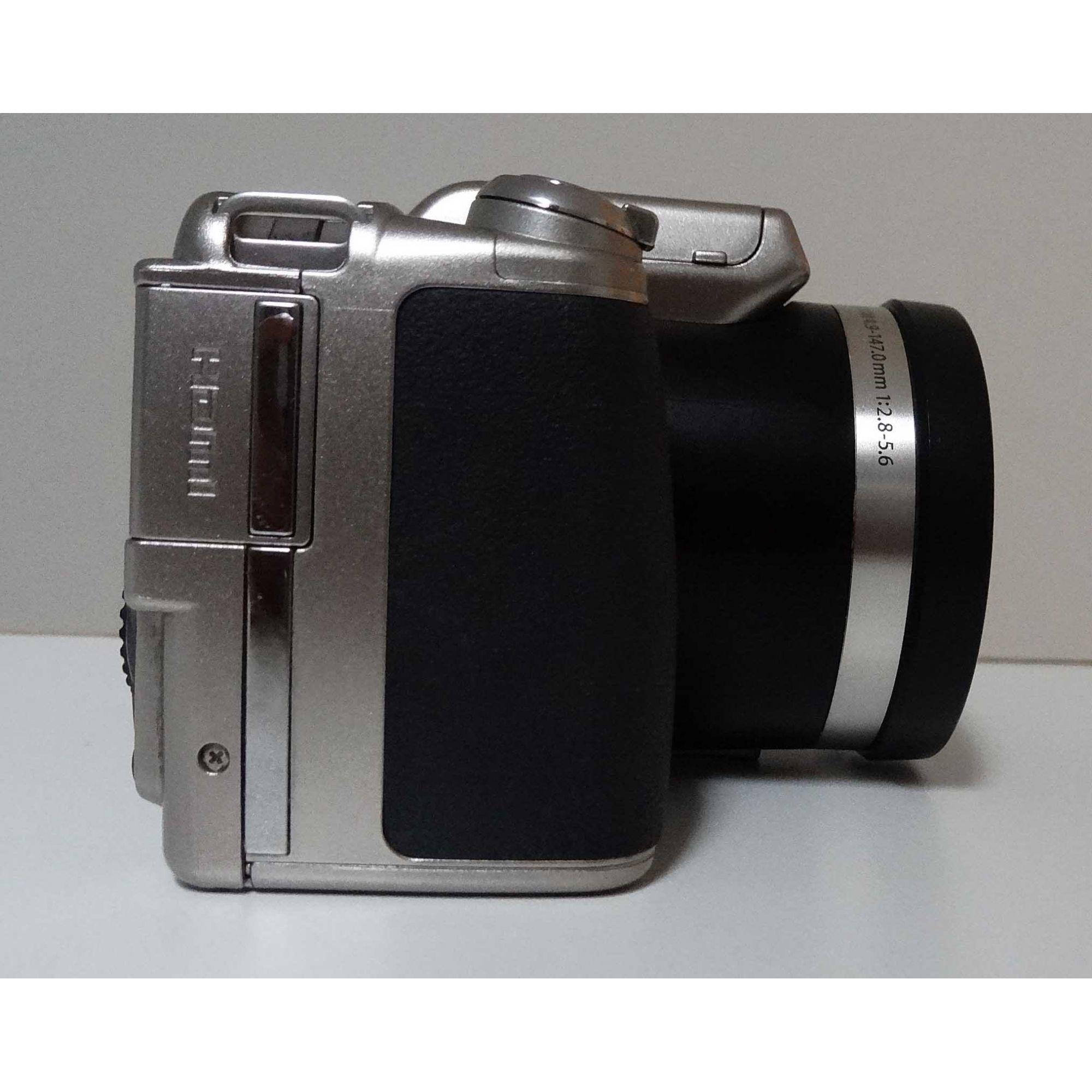 Câmera Digital Olympus SP-800UZ 14 Megapixel + cartão SD 4GB