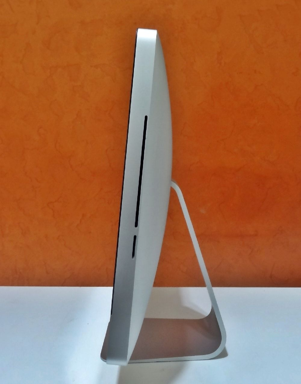 iMac MB950LL/A 21.5'' Intel Core 2 DUO 3.06GHz 8GB HD-1TB   DEDICADA - 256MB (NÃO ENVIAMOS)