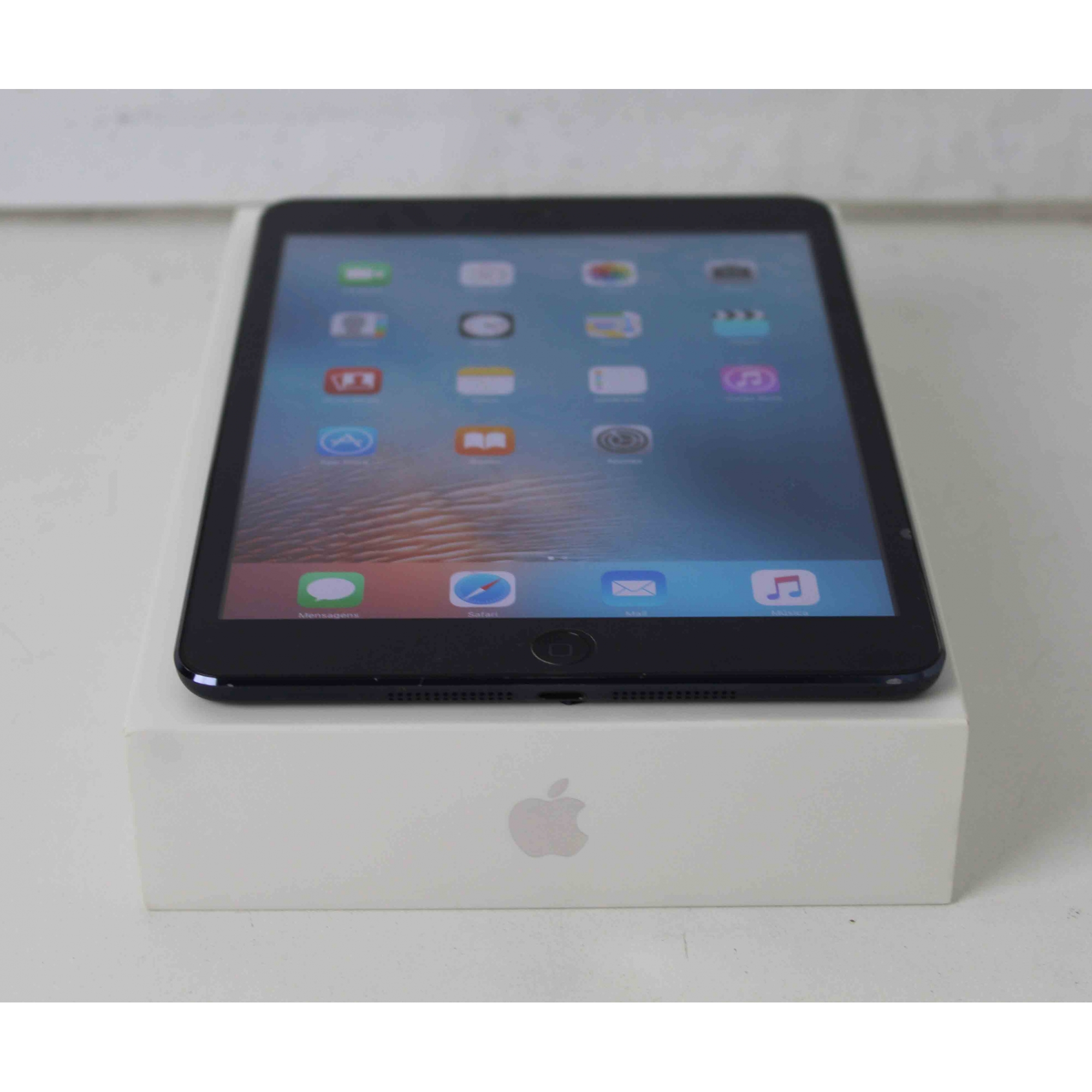 """iPad Mini 1 MD528LL/A 7.9"""" 16GB Wifi"""
