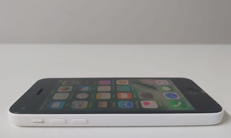 "iPhone 5C MG8X2BR/A 4"" 8GB - Branco"