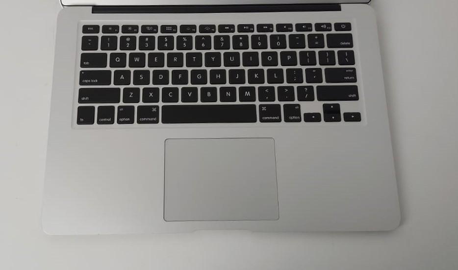 """Macbook Air MD760LL/B 13.3"""" Intel Core i5 1.4GHz 4GB SSD-256GB"""