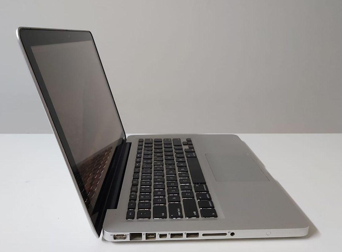 """Macbook Pro MC700LL/A 13.3"""" Intel Core i5 2.3GHz 4GB SSD-120GB"""