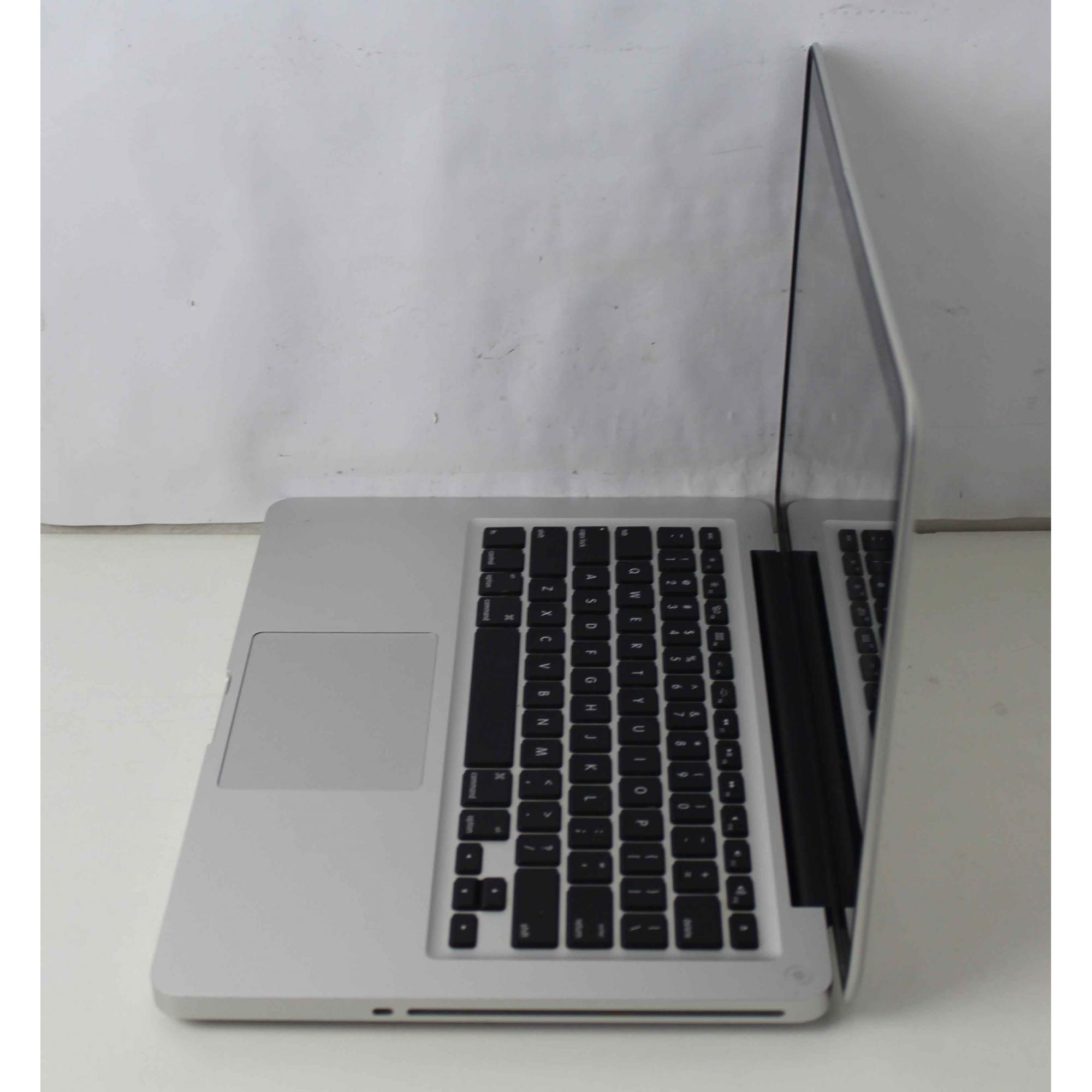 """Macbook Pro MD101LL/A 13.3"""" Intel Core i5 2.5GHz 4GB HD-500GB"""