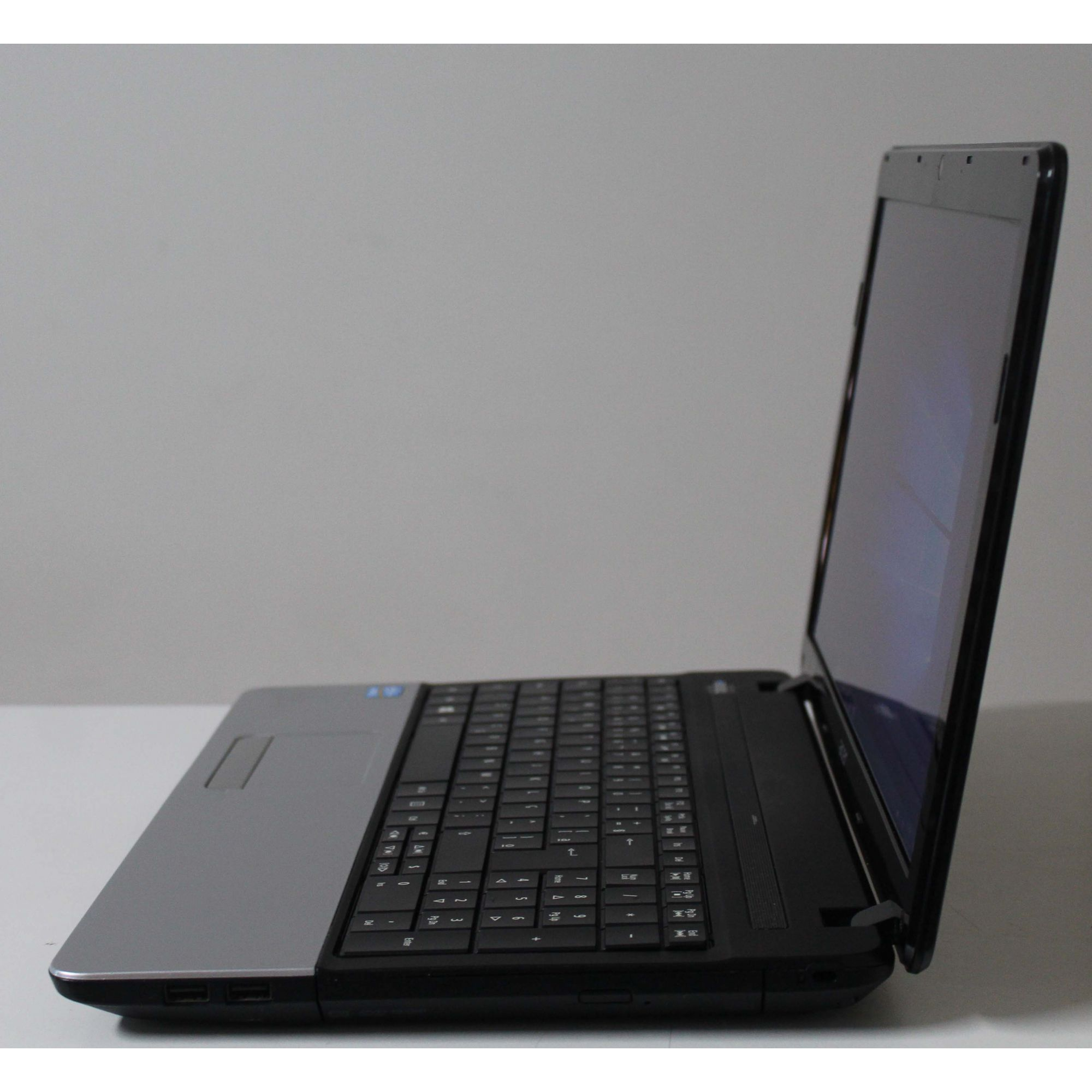 Notebook Acer Aspire E1-571 Intel Core i5 2.60GHz 4GB HD-500GB + Alphanumérico