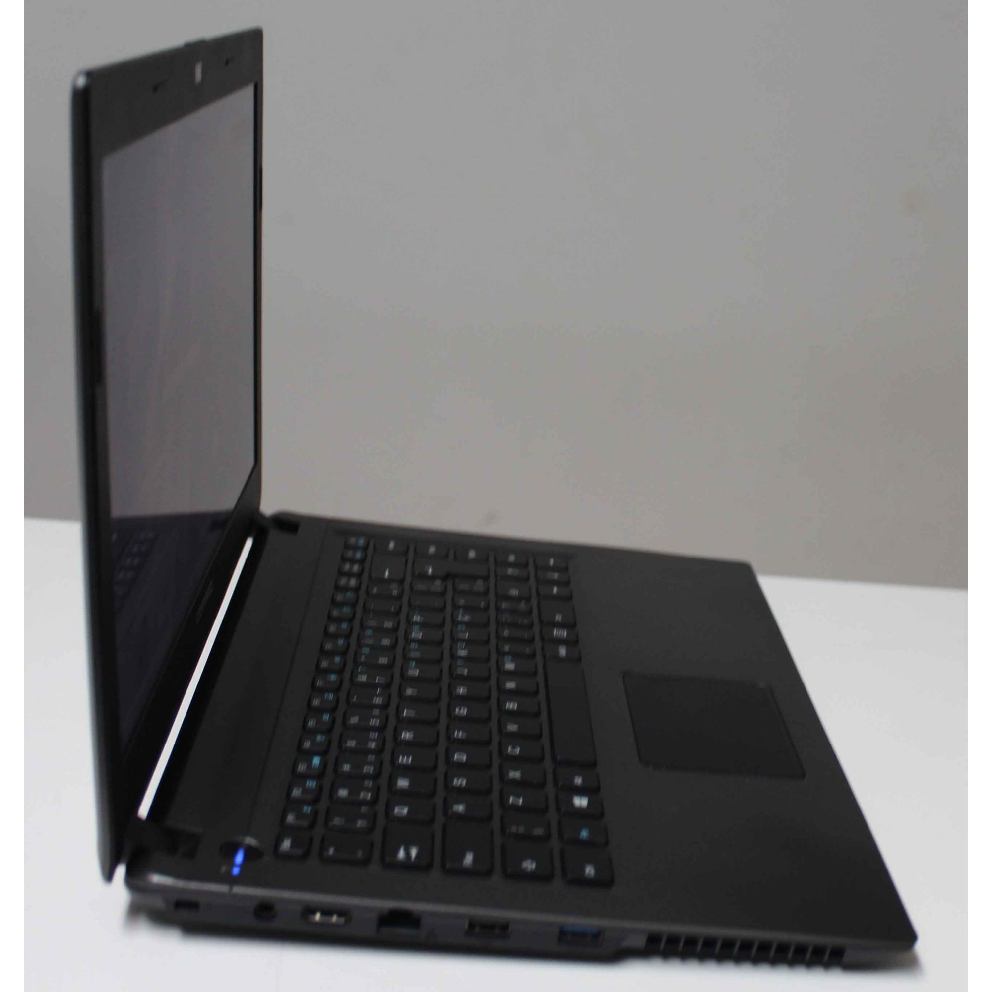 Notebook Compaq Presario CQ23 14'' Celeron 2.1GHz 4GB HD-500GB
