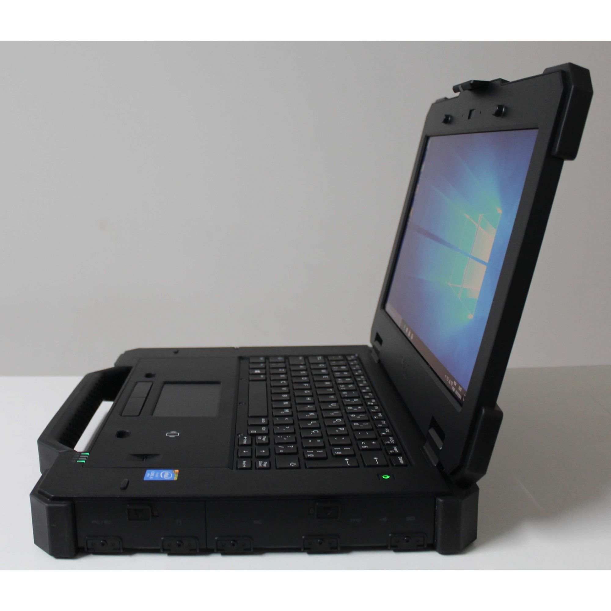 Notebook Dell Rugged 7404 14'' Intel Core i5 1.9GHz 16GB SSD-256GB - SERIAL DB9, Robusto!