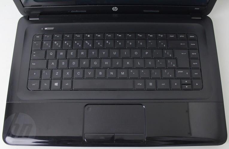 "NOTEBOOK HP 2000-2D70DX 15.6"" AMD A6-5200 2GHZ 4GB HD-750GB"