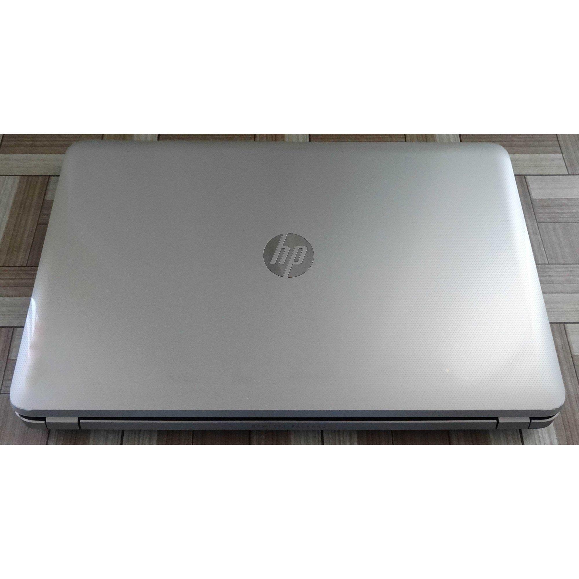 "Notebook HP Pavilion 17-e112dx 17"" Intel Core i3 2.6GHz 4GB 750GB HD + Alphanumérico"