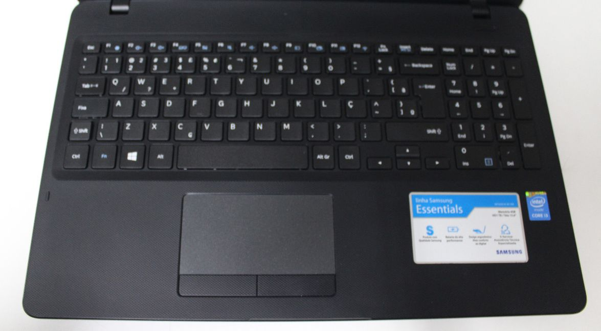 "Notebook Samsung NP300E5K 15.6"" Intel Core i3 2.00GHz 4GB HD-1TB + Alphanumérico"