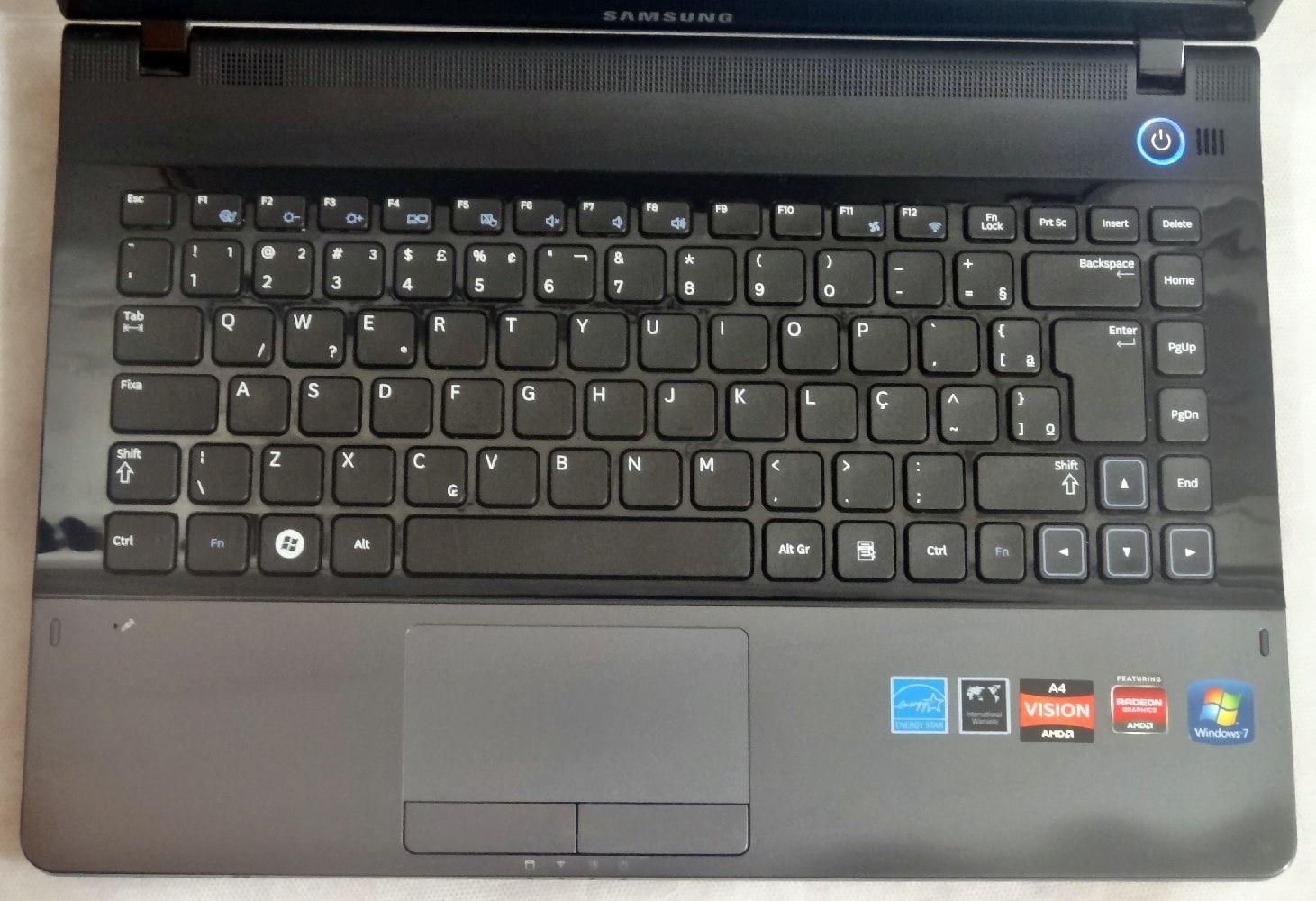 Notebook Samsung NP305E4A 14.1