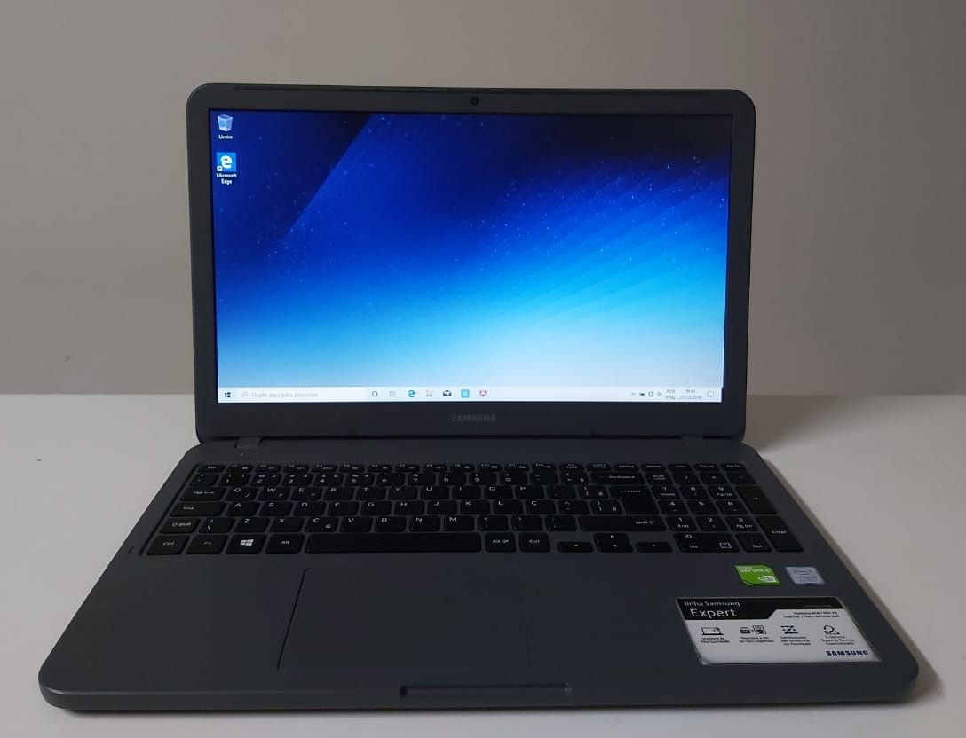 "Notebook Samsung NP350XAA-XD1BR 15.6"" Intel Core i5 1.6GHz 8GB HD-1TB + 2GB Dedicada - Alphanumérico"