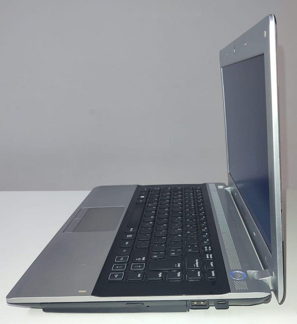 """Notebook Samsung RV415-CD3BR 14"""" Intel Core i3 2.13GHz 4GB HD-500GB"""