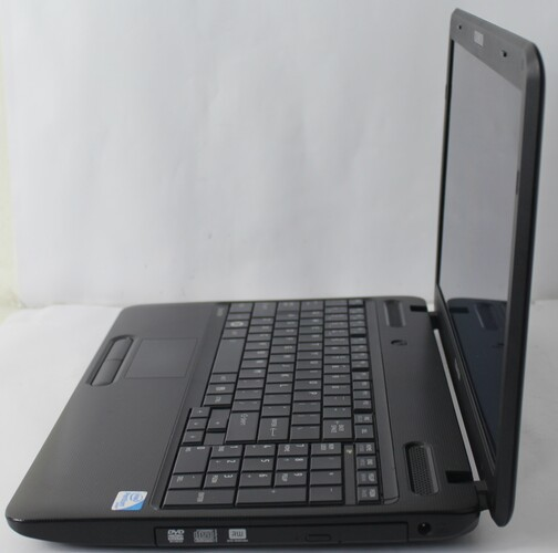"Notebook Toshiba Satellite C655 15.6"" Intel Pentium Dual-Core 2.3GHz 4GB HD-320GB - Alphanumérico"
