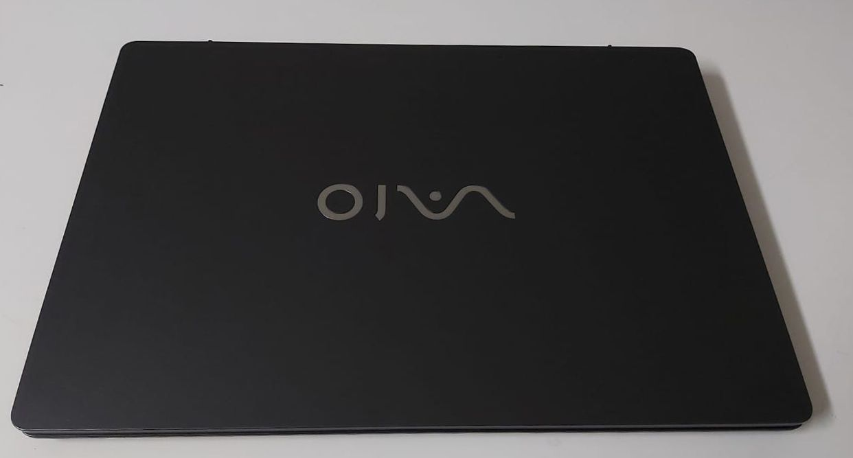 "Notebook Vaio VJF155F11X 15.6"" Intel Core i3 2.4GHz 4GB HD-500GB - Alphanumérico"