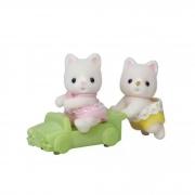 Brinquedo Sylvanian Families Bebê Gêmeos Gato de Seda Epoch