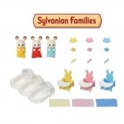 Brinquedo Sylvanian Families Conjunto Cuidando de Trigêmeos Epoch